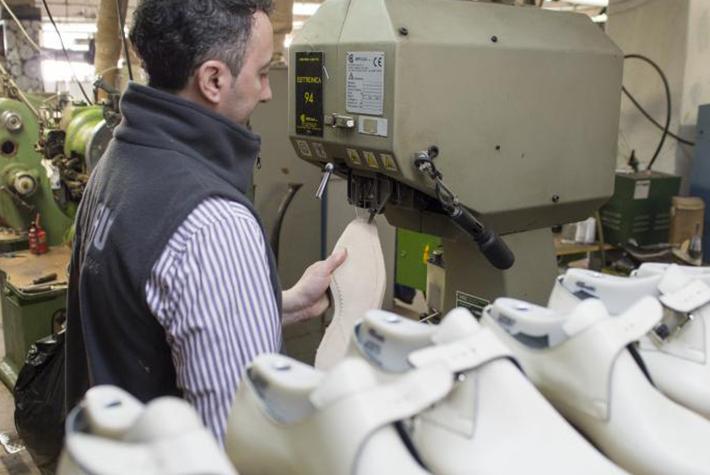 schoenfabriek roemenie - vervaardigen van herenschoenen2_klein